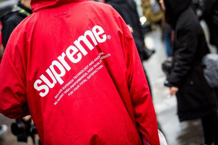 supreme selalu mengadopsi gaya kaum urban