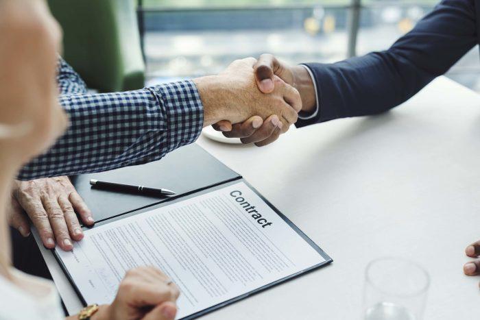 kesepakatan untuk menerima kontrak kerja